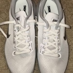 Nike Supreme Flex Flywire TR5 White Trainer Size 7